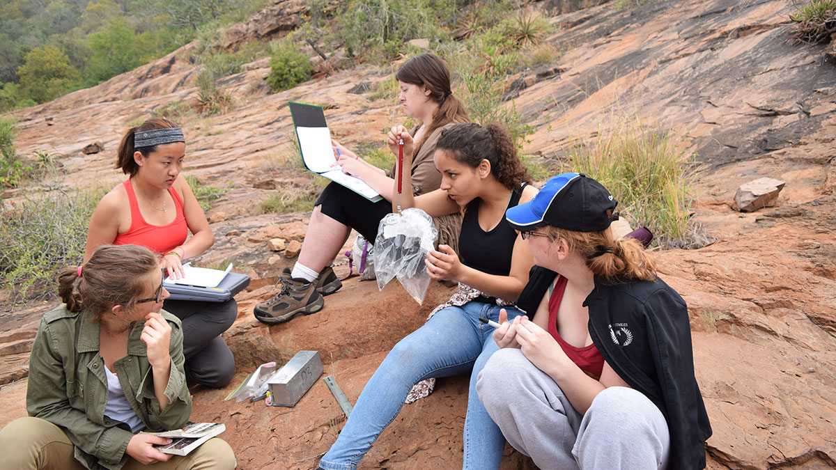 News-Supplied-South-African-Field-School-2