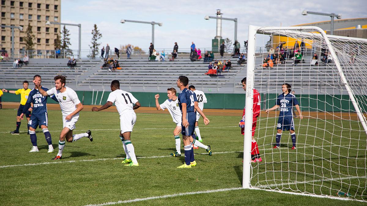 Sports-Joshua-Storie-Bears-Soccer-2