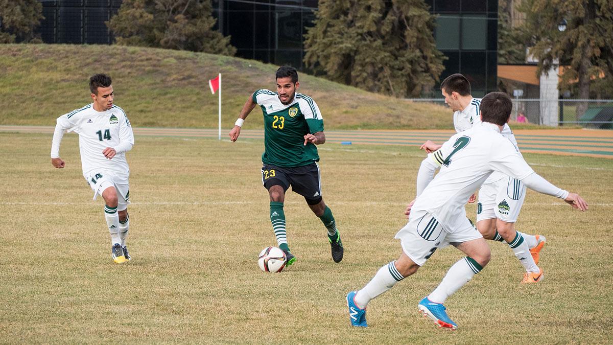 Sports-Kevin-Schenk-Bears-Soccer-14