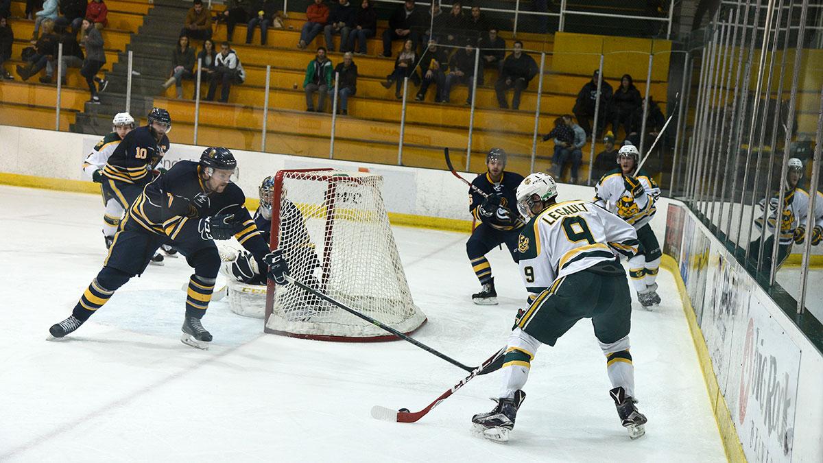 Sports-Ruilin-Fu-Bears-Hockey-Varsity-Sports-Roundup-2