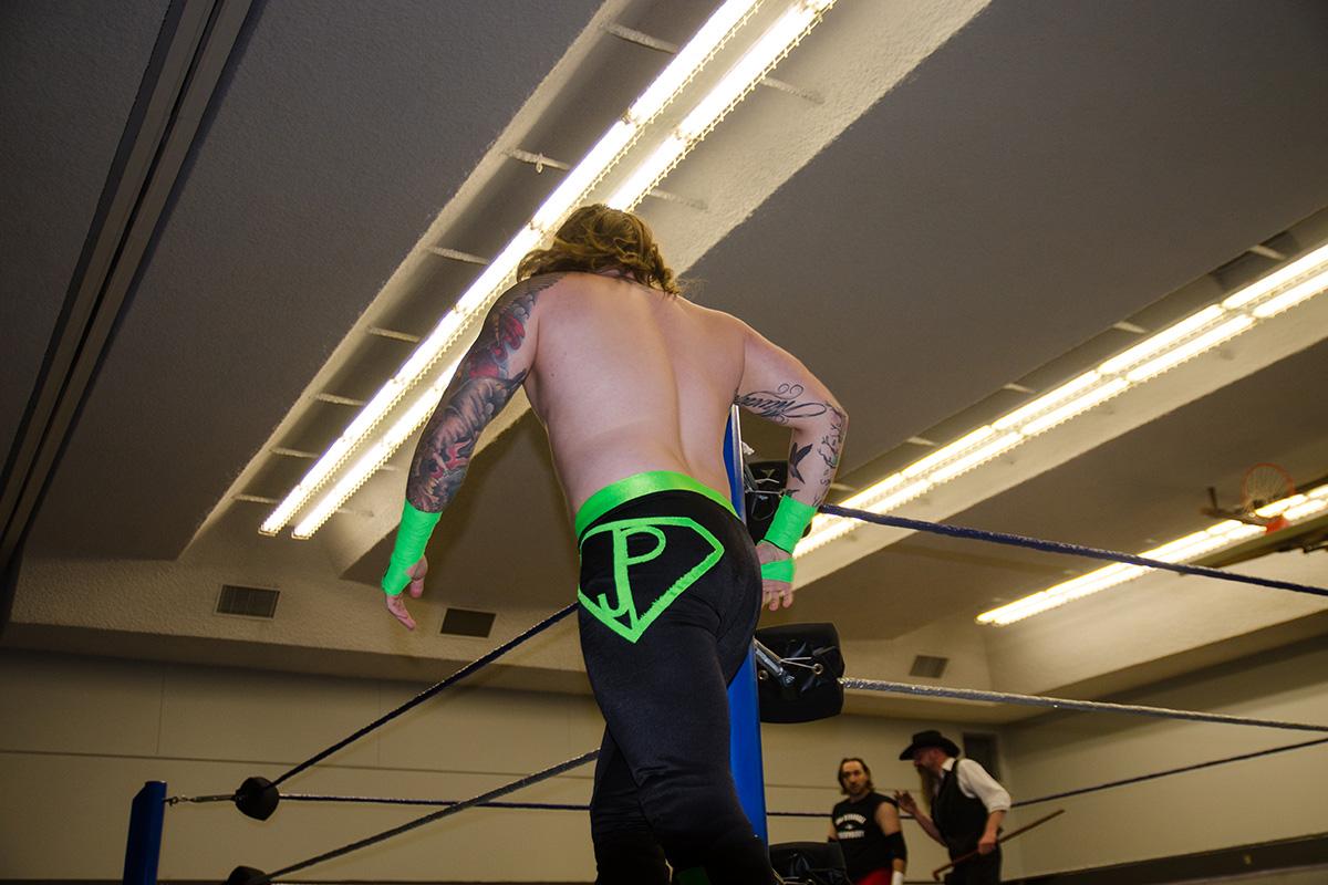 Sports-Jonah-Kondro-Stampede-Wrestling-1